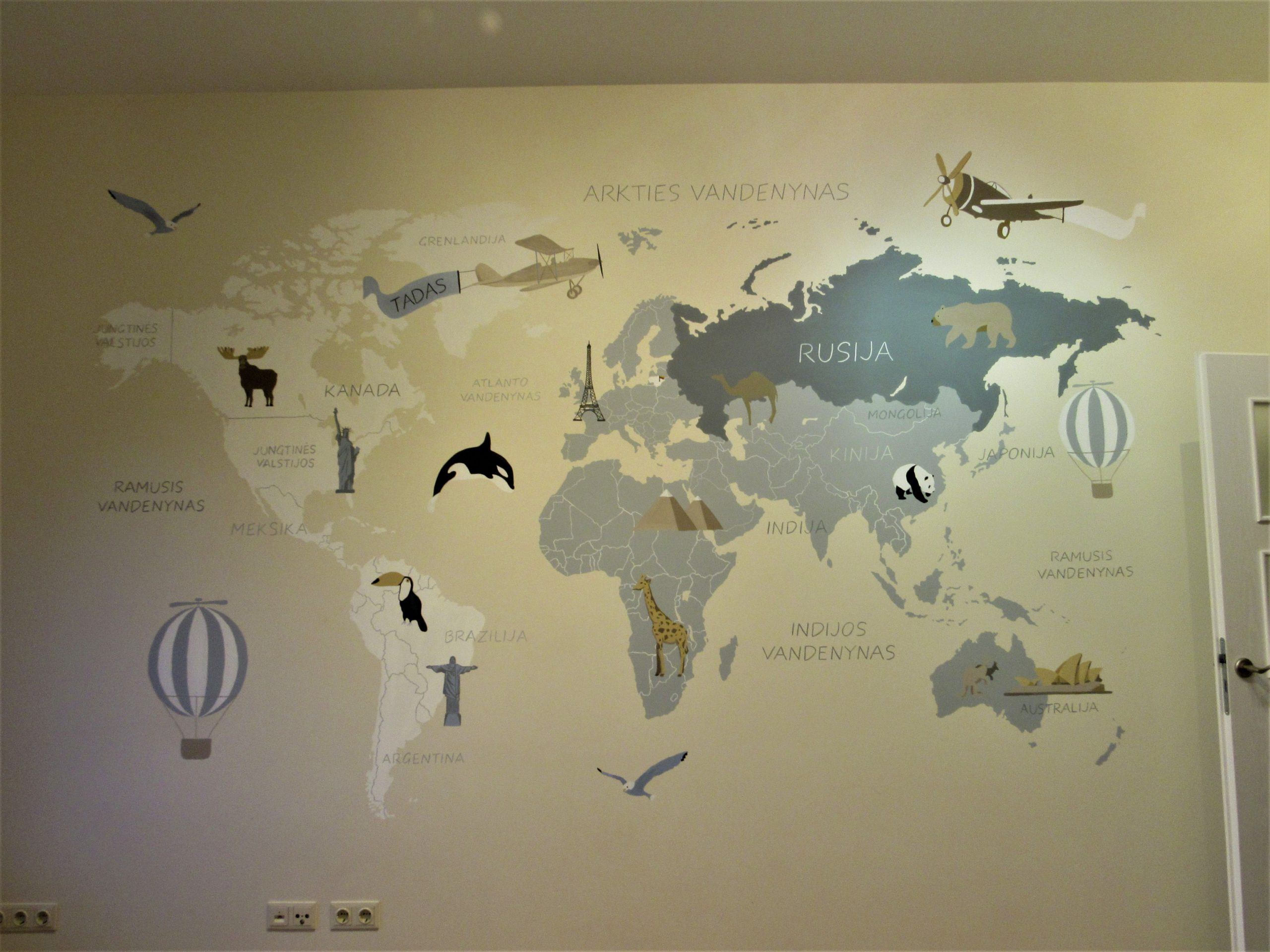 menine-kuryba-sienu-dekoravimas (12)