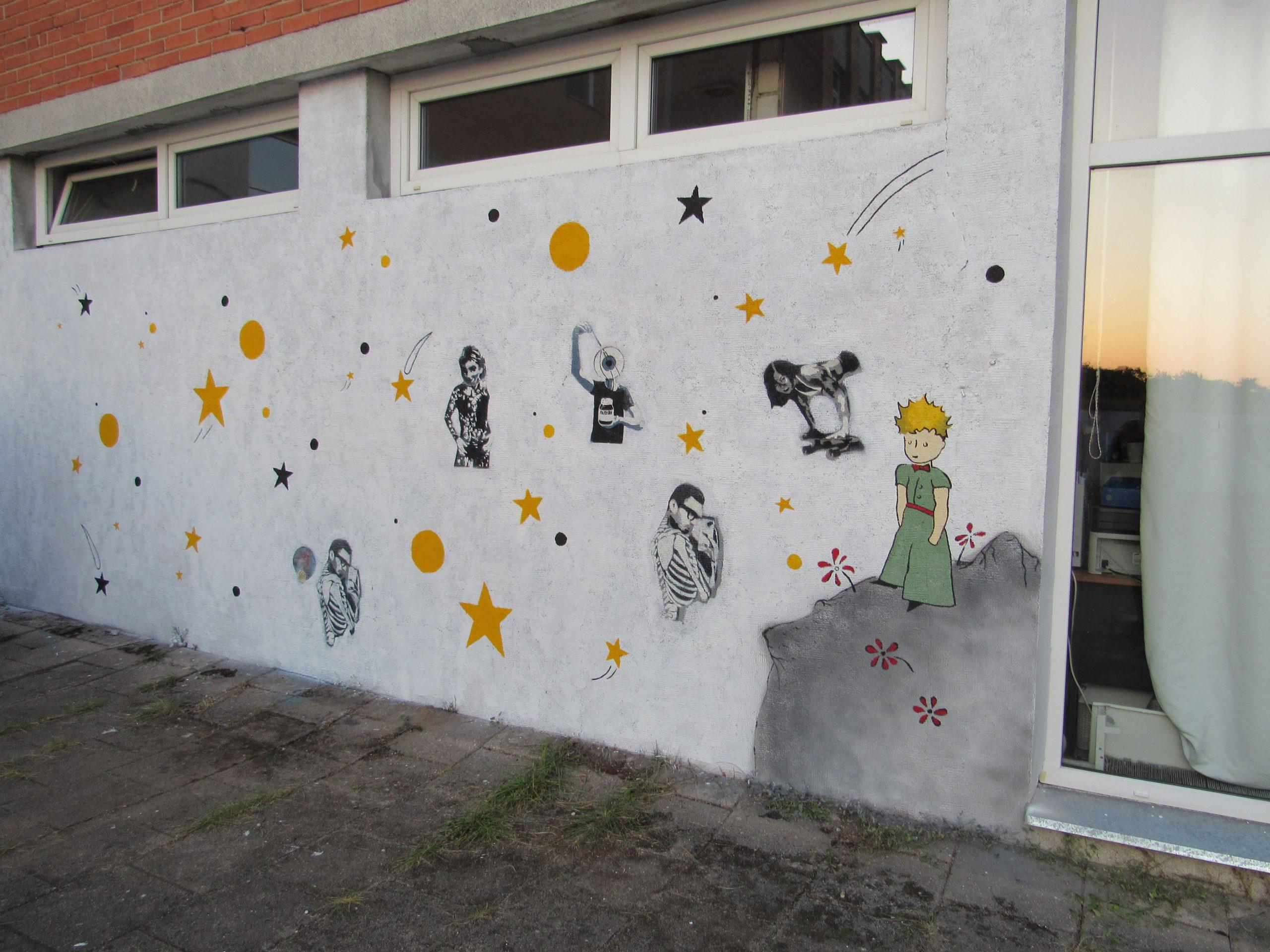 menine-kuryba-sienu-dekoravimas-fasadai (26)