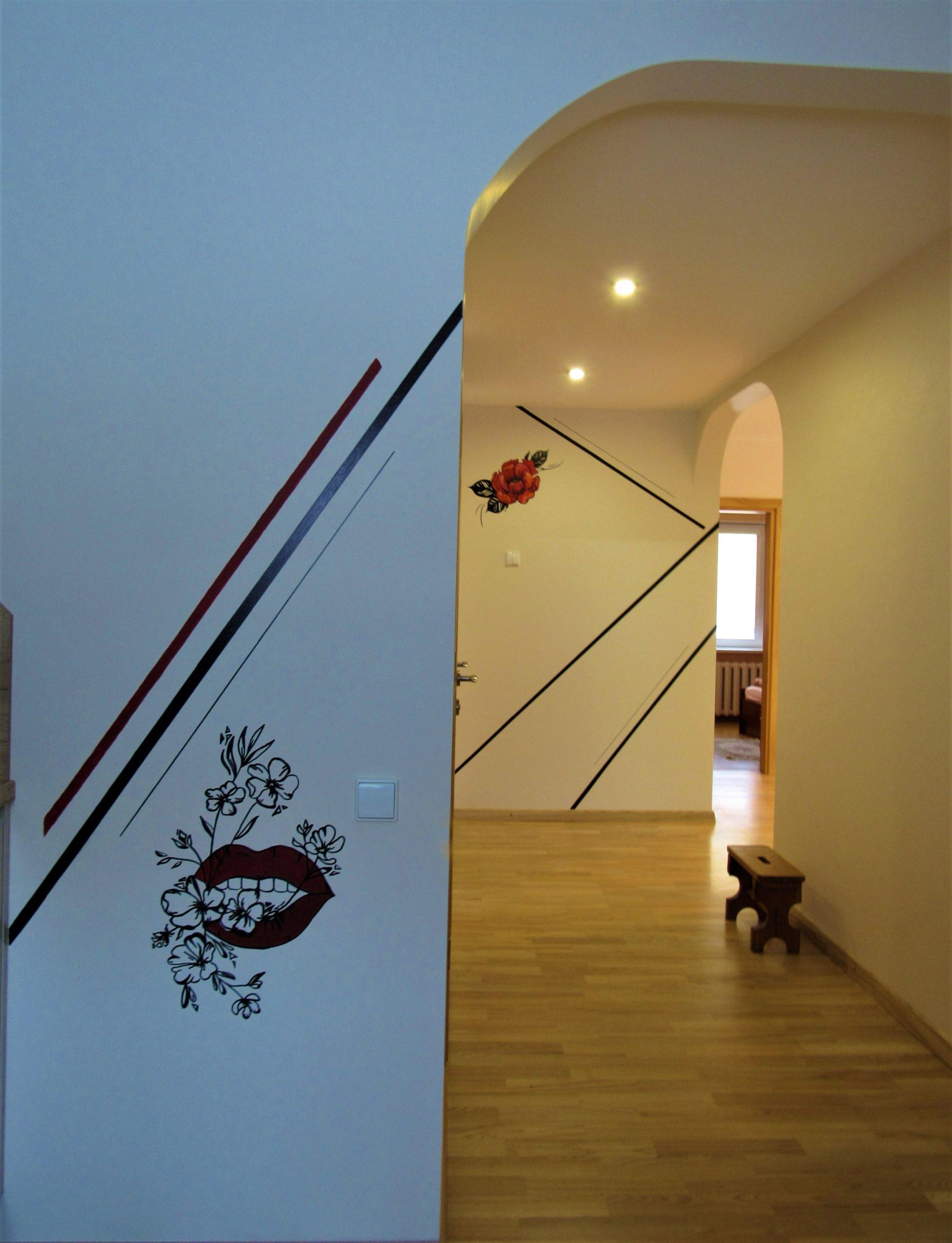 menine-kuryba-sienu-dekoravimas-ivairus-interjerai (13)