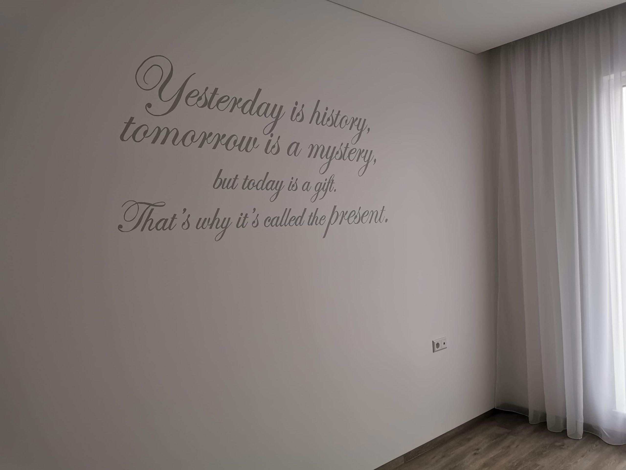 menine-kuryba-sienu-dekoravimas-ivairus-interjerai (23)
