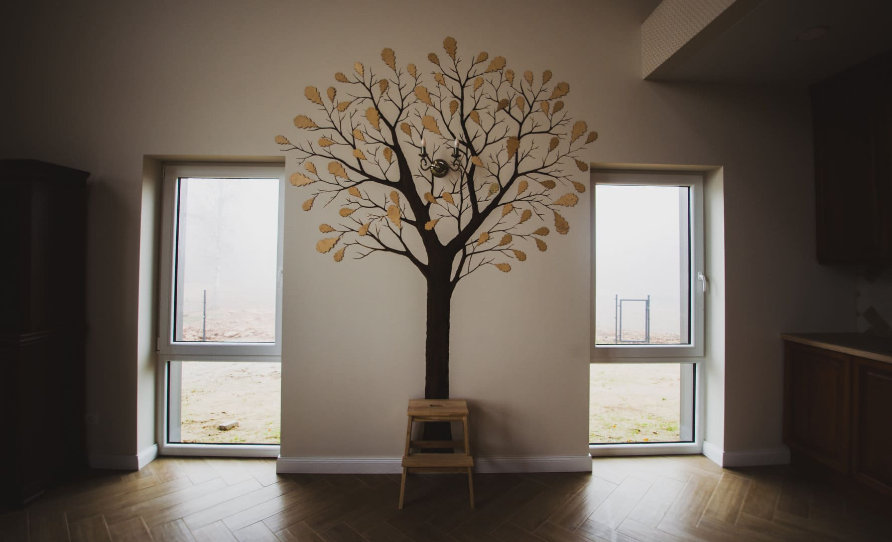 menine-kuryba-sienu-dekoravimas-ivairus-interjerai (41)