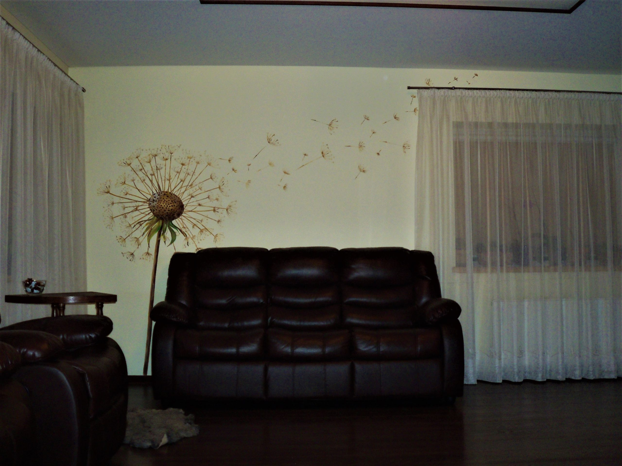 menine-kuryba-sienu-dekoravimas-ivairus-interjerai (45)