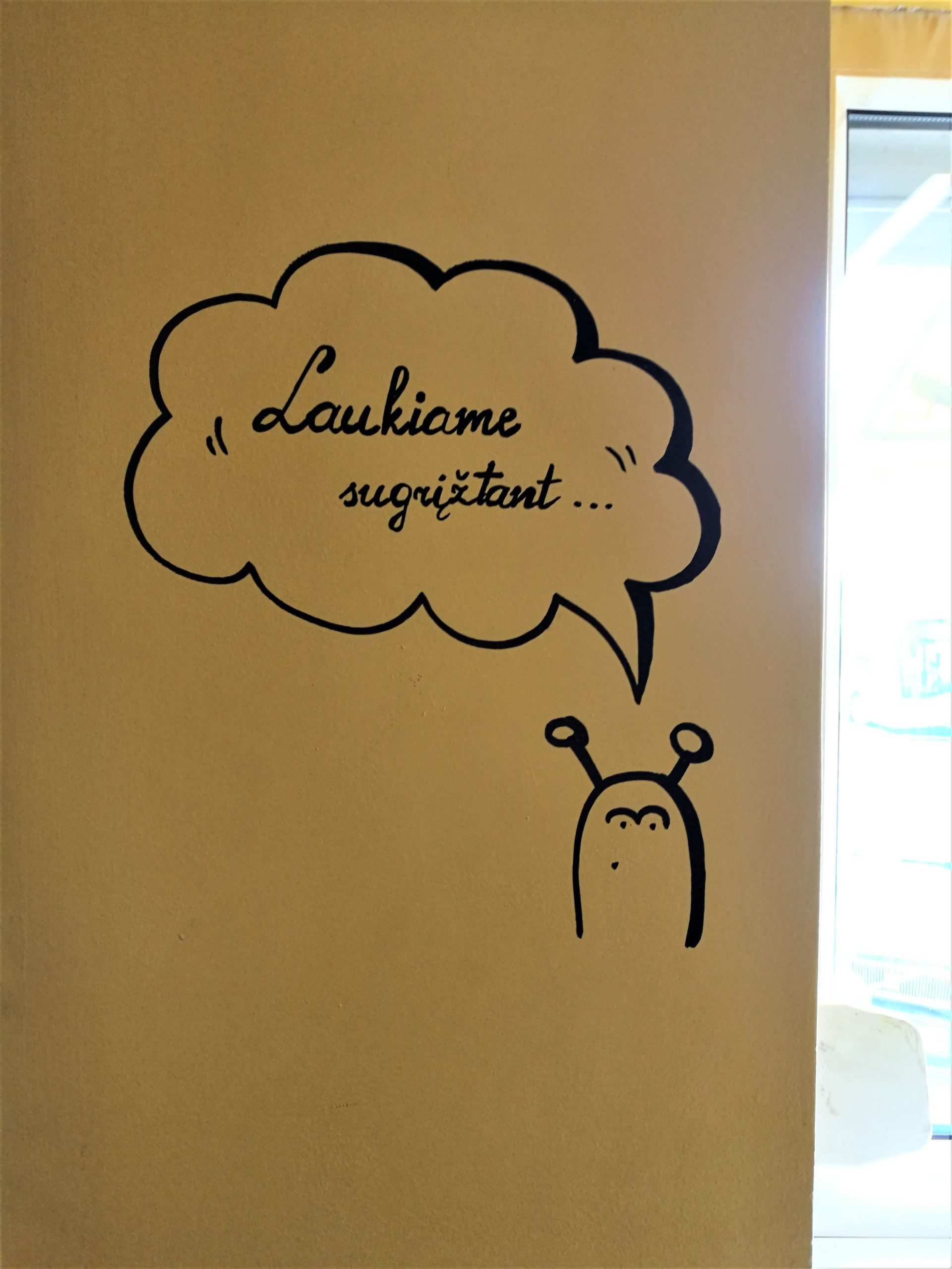 menine-kuryba-sienu-dekoravimas-kavines (10)
