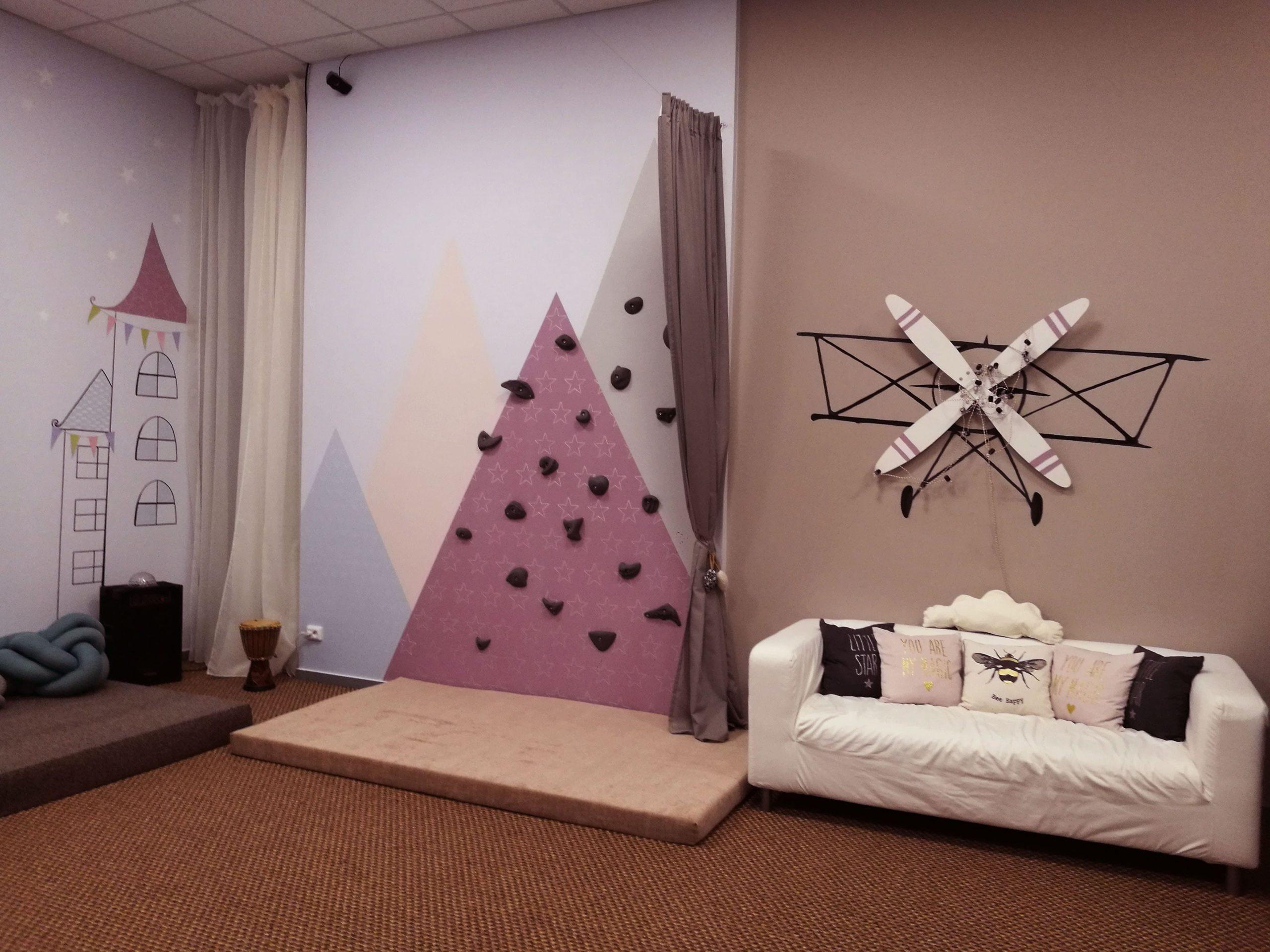 menine-kuryba-sienu-dekoravimas-ugdymo-istaigos (19)