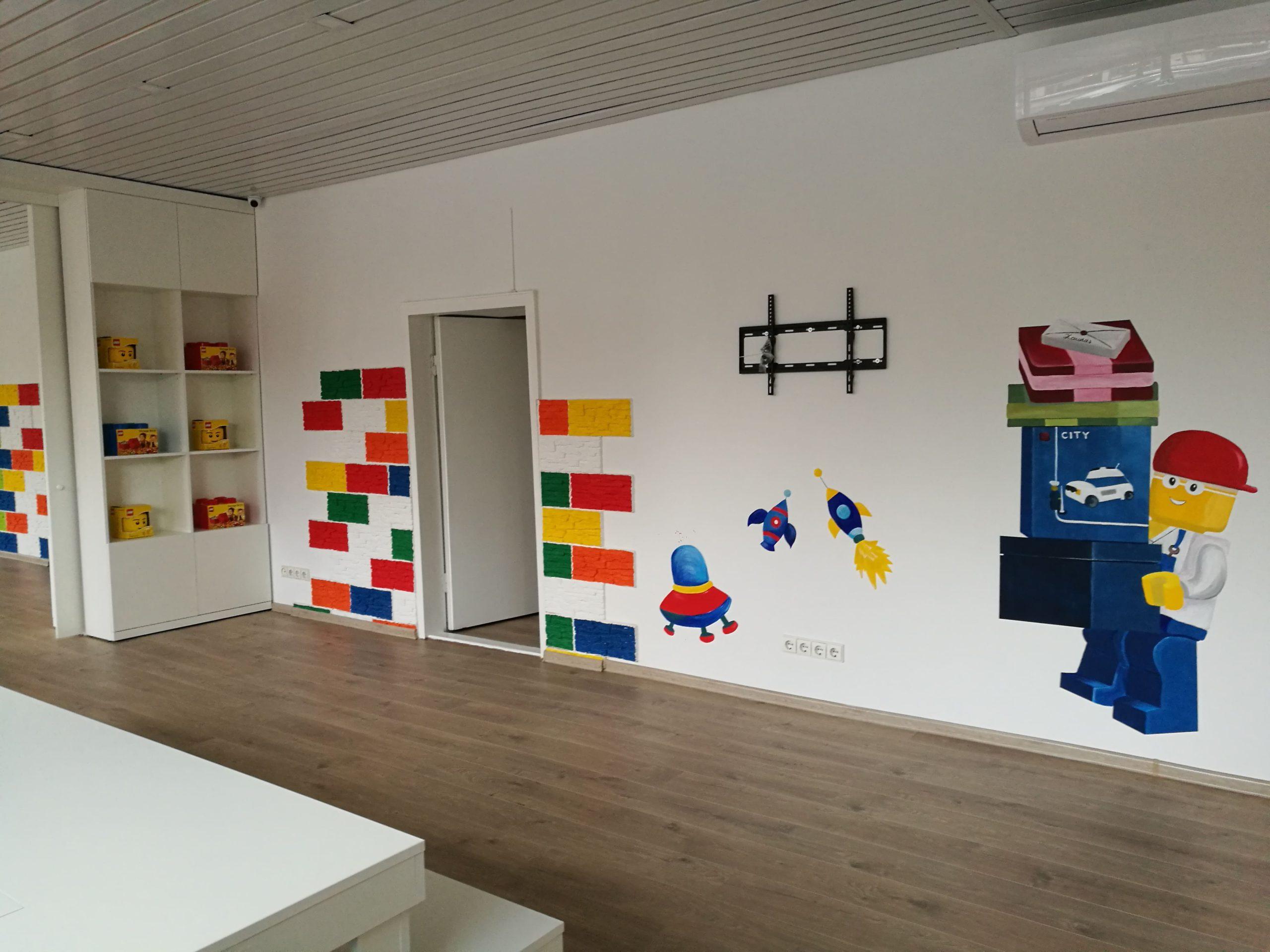 menine-kuryba-sienu-dekoravimas-ugdymo-istaigos (2)